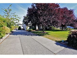 Photo 2: 22075 44A Avenue in LANGLEY: Murrayville House for sale (Langley)  : MLS®# F1222580