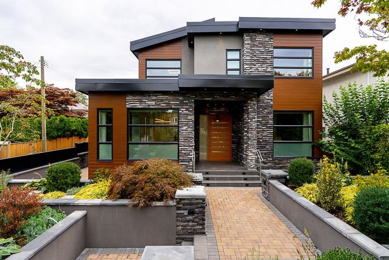 FEATURED LISTING: 2077 61ST Avenue West Vancouver