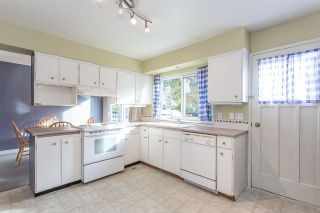 Photo 3: 21616 EXETER Avenue in Maple Ridge: West Central House for sale : MLS®# R2318244