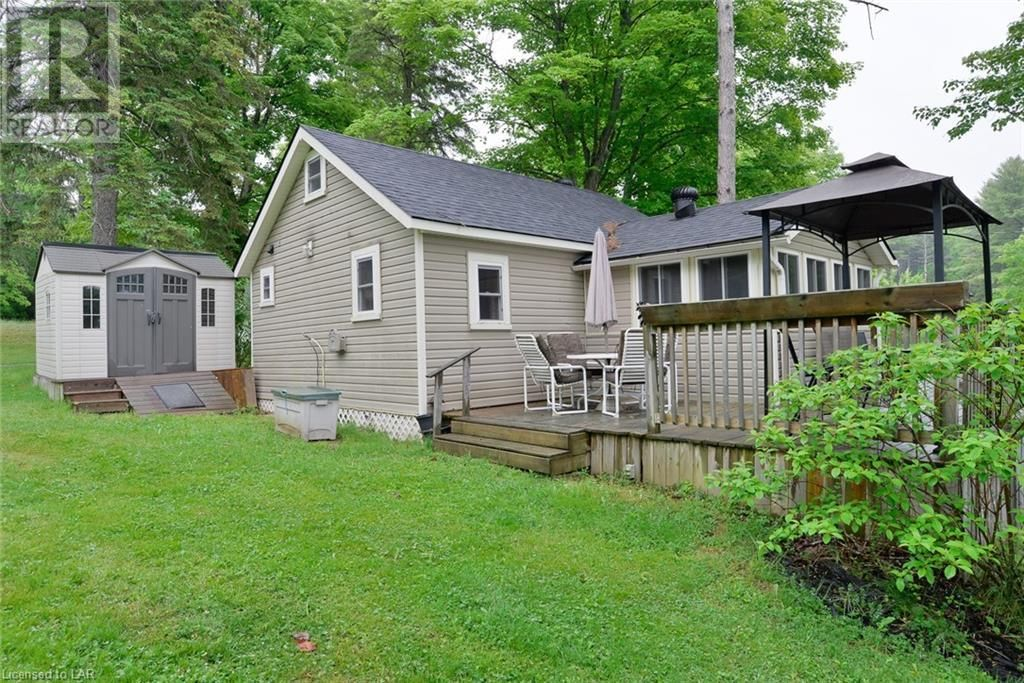 Main Photo: 1168 MOON RIVER Road Unit# Cottage 2 in Bala: House for sale : MLS®# 40124950