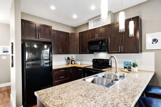 Photo 3: 2 1893 Prosser Rd in : CS Saanichton Row/Townhouse for sale (Central Saanich)  : MLS®# 871753