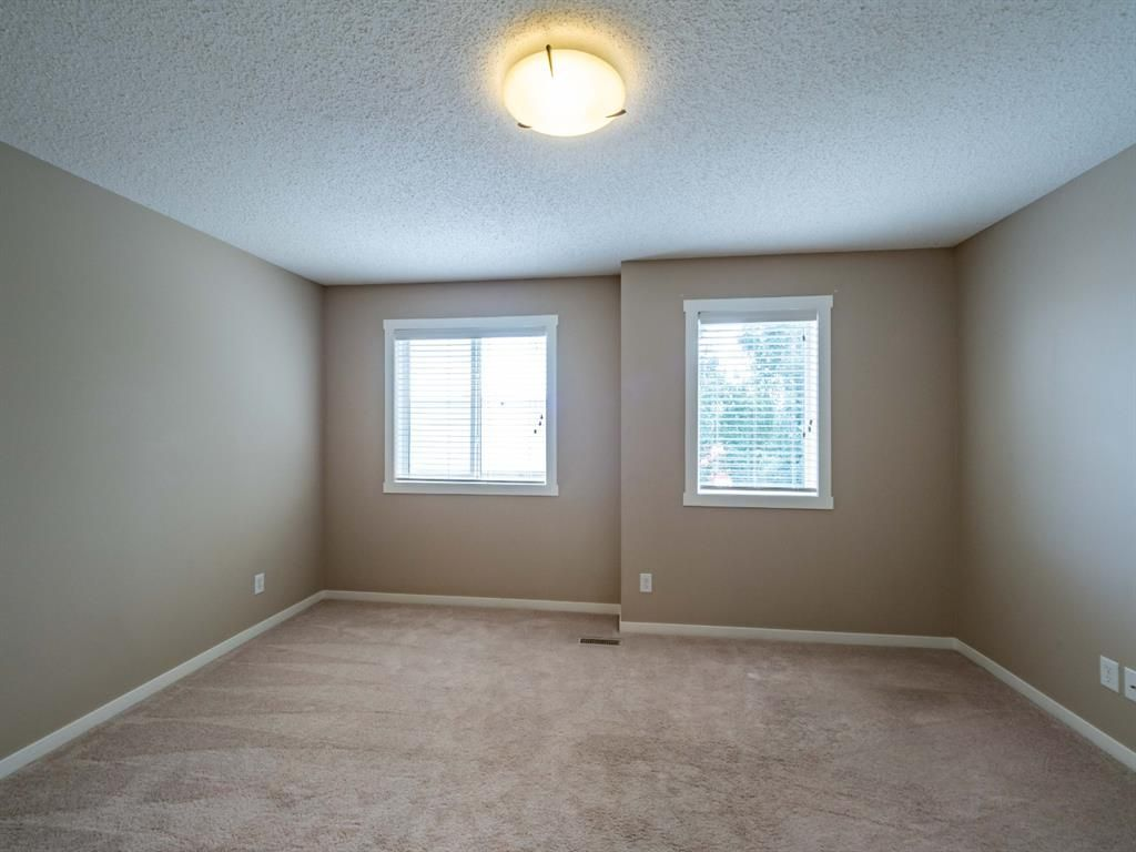 Photo 15: Photos: 544 Mckenzie Towne Close SE in Calgary: McKenzie Towne Row/Townhouse for sale : MLS®# A1128660
