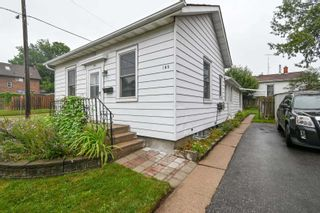 Photo 2: 185 N Centre Street in Oshawa: Central House (Bungalow) for sale : MLS®# E5328015