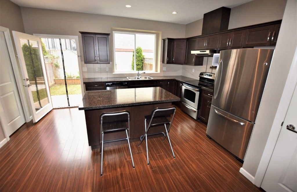 """Photo 8: Photos: 20849 71B Avenue in Langley: Willoughby Heights Condo for sale in """"Milner Heights"""" : MLS®# R2161882"""
