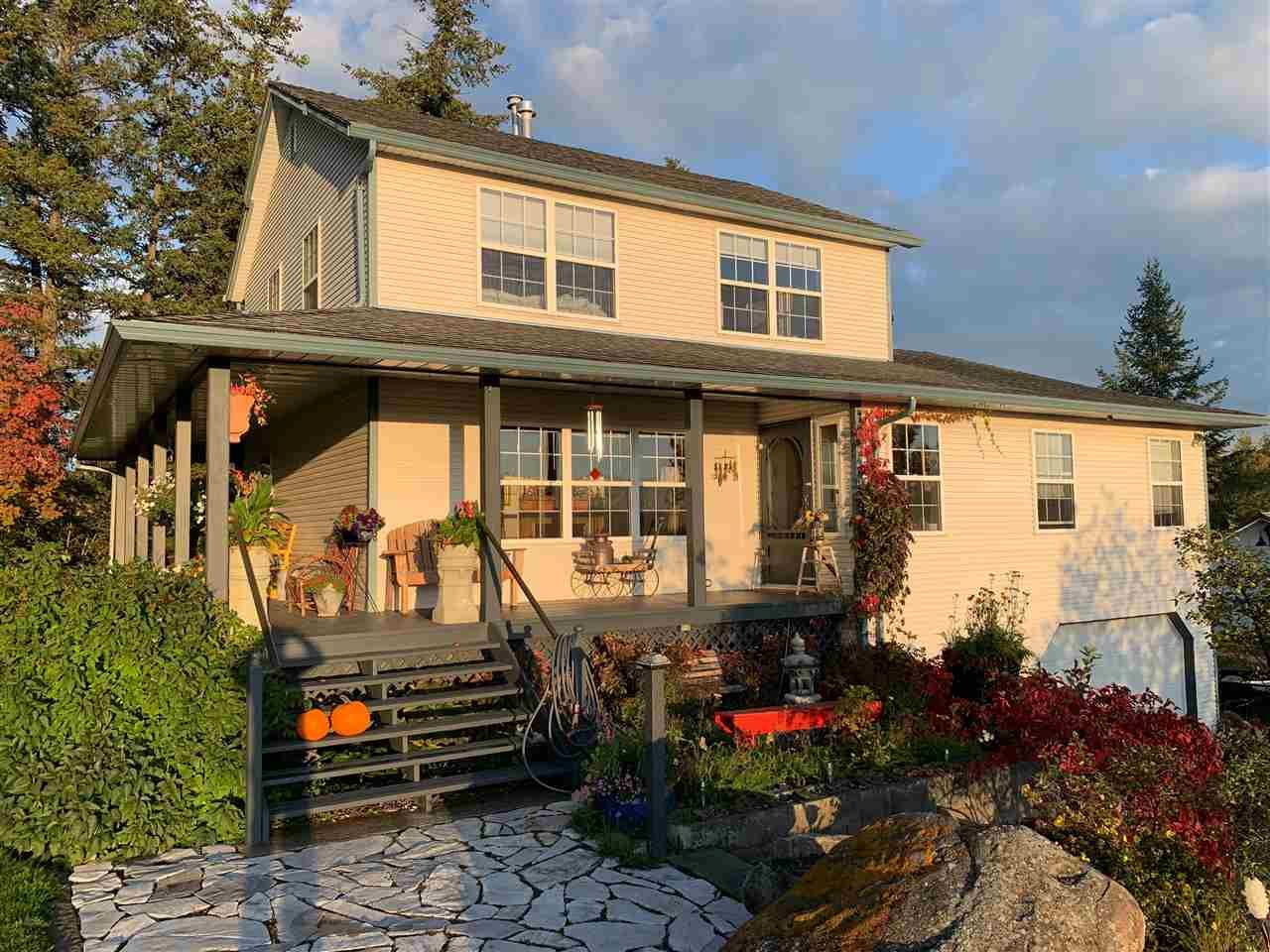 Main Photo: 3002 GOLD DIGGER Drive: 150 Mile House House for sale (Williams Lake (Zone 27))  : MLS®# R2430826
