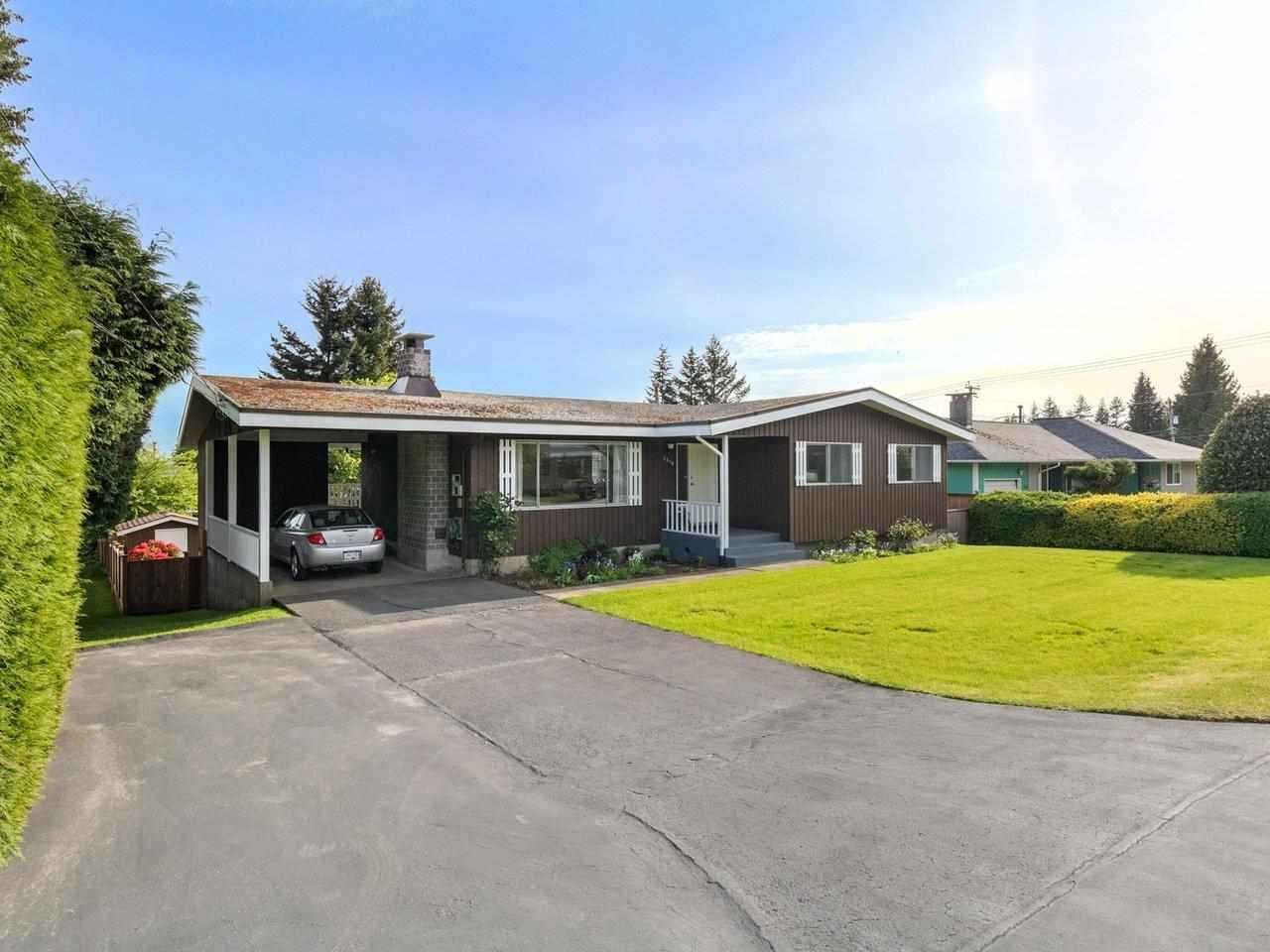 Photo 2: Photos: 1510 CHARLAND Avenue in Coquitlam: Central Coquitlam House for sale : MLS®# R2577681