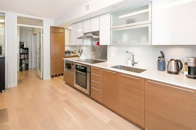 """Photo 8: Photos: 211 1635 W 3RD Avenue in Vancouver: False Creek Condo for sale in """"THE LUMEN"""" (Vancouver West)  : MLS®# R2230902"""