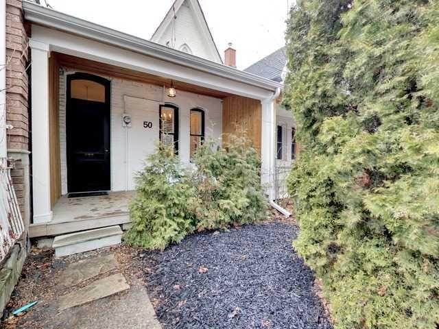 Main Photo: 50 Lippincott Street in Toronto: Kensington-Chinatown House (Bungalow) for sale (Toronto C01)  : MLS®# C4106394