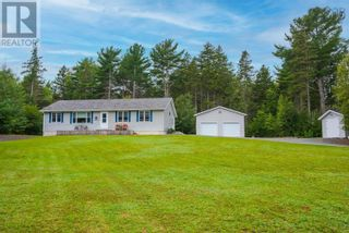 Photo 1: 11369 Highway 3 in Centre: House for sale : MLS®# 202123535