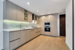 """Photo 10: 812 89 NELSON Street in Vancouver: Yaletown Condo for sale in """"THE ARC"""" (Vancouver West)  : MLS®# R2504656"""