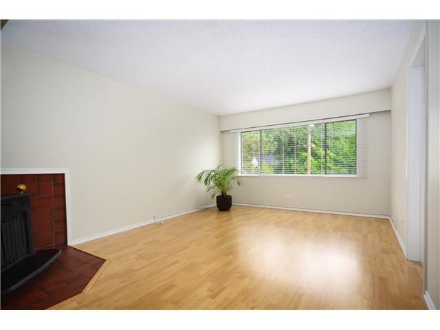 Photo 3: Photos: 1295 PLATEAU Drive in North Vancouver: Pemberton Heights Townhouse for sale : MLS®# V1031985