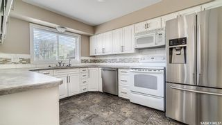Photo 5: 1004 Athabasca Street East in Moose Jaw: Hillcrest MJ Residential for sale : MLS®# SK857165