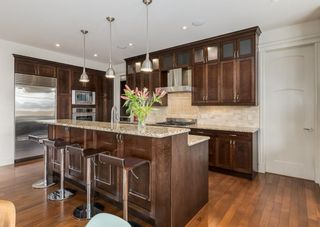 Photo 15: 2615 12 Avenue NW in Calgary: St Andrews Heights Detached for sale : MLS®# A1131136