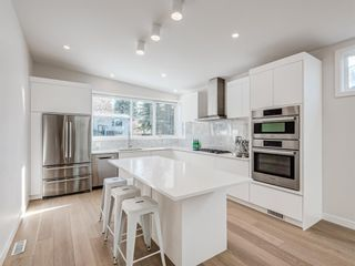 Photo 5: 5327 Carney Road NW in Calgary: Charleswood Detached for sale : MLS®# A1049468