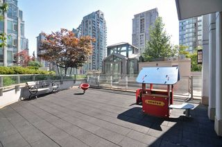 "Photo 17: 1601 565 SMITHE Street in Vancouver: Downtown VW Condo for sale in ""VITA"" (Vancouver West)  : MLS®# R2013406"