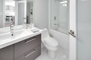 """Photo 14: 1602 1500 HOWE Street in Vancouver: Yaletown Condo for sale in """"THE DISCOVERY"""" (Vancouver West)  : MLS®# R2101112"""