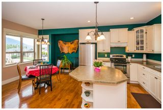 Photo 14: 1720 Northeast 24 Street in Salmon Arm: Lakeview Meadows House for sale (NE Salmon Arm)  : MLS®# 10105842