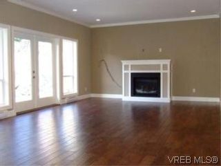Photo 7: 2336 Echo Valley Dr in VICTORIA: La Bear Mountain House for sale (Langford)  : MLS®# 485548