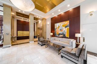Photo 3: 901 1228 MARINASIDE Crescent in Vancouver: Yaletown Condo for sale (Vancouver West)  : MLS®# R2562099