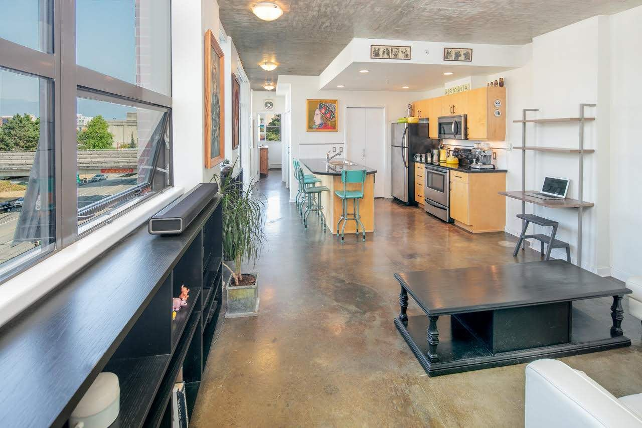 """Main Photo: 503 919 STATION Street in Vancouver: Mount Pleasant VE Condo for sale in """"LEFT BANK"""" (Vancouver East)  : MLS®# R2304592"""