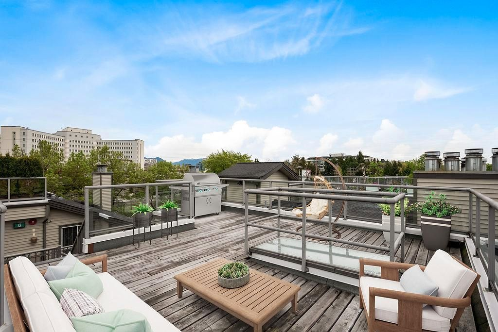 Private Roof Top Deck