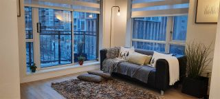 """Photo 7: 617 1082 SEYMOUR Street in Vancouver: Downtown VW Condo for sale in """"Freesia"""" (Vancouver West)  : MLS®# R2533944"""