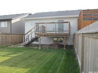 Photo 3: 142 Guenther Crescent in Warman: Residential for sale : MLS®# SK871057