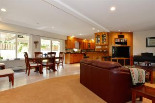Photo 4: 15736 MOUNTAIN VIEW DRIVE in Surrey: Grandview Surrey House for sale (South Surrey White Rock)  : MLS®# R2095102