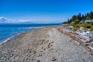 """Photo 36: 6500 WILDFLOWER Place in Sechelt: Sechelt District Townhouse for sale in """"WAKEFIELD BEACH - 2ND WAVE"""" (Sunshine Coast)  : MLS®# R2604222"""