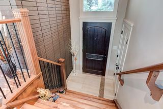 Photo 9: 6714 Leaside Drive SW in Calgary: Lakeview Detached for sale : MLS®# A1105048