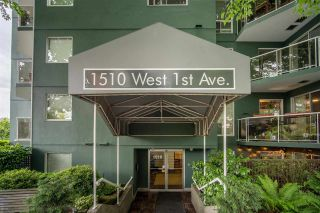 """Photo 4: 301 1510 W 1ST Avenue in Vancouver: False Creek Condo for sale in """"Mariner Walk"""" (Vancouver West)  : MLS®# R2589814"""