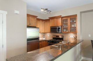 """Photo 11: 61 7388 MACPHERSON Avenue in Burnaby: Metrotown Townhouse for sale in """"ACACIA GARDENS"""" (Burnaby South)  : MLS®# R2166985"""