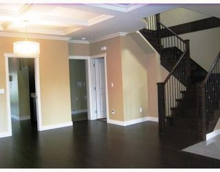 Photo 3: 312 HOLMES Street in New_Westminster: The Heights NW House for sale (New Westminster)  : MLS®# V766704