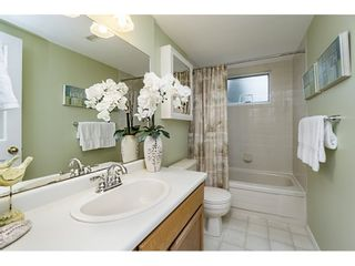 Photo 16: 14779 RUSSELL Avenue: White Rock House for sale (South Surrey White Rock)  : MLS®# R2171481