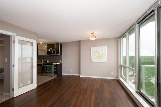 """Photo 3: 2005 9981 WHALLEY Boulevard in Surrey: Whalley Condo for sale in """"PARK PLACE 2"""" (North Surrey)  : MLS®# R2385178"""
