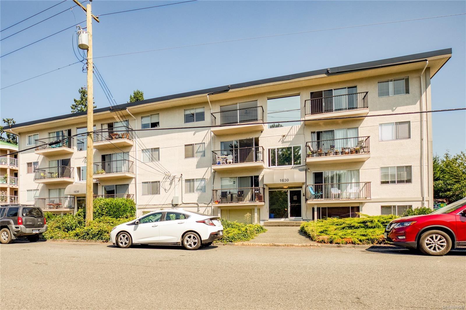 Main Photo: 5 1630 Crescent View Dr in Nanaimo: Na Central Nanaimo Condo for sale : MLS®# 883547