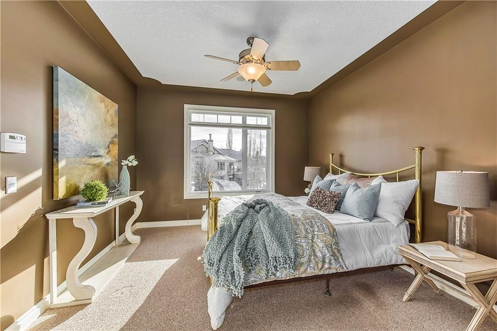 Photo 23: Photos: 73 DISCOVERY WOODS Villa SW in Calgary: Discovery Ridge Semi Detached for sale : MLS®# C4218779