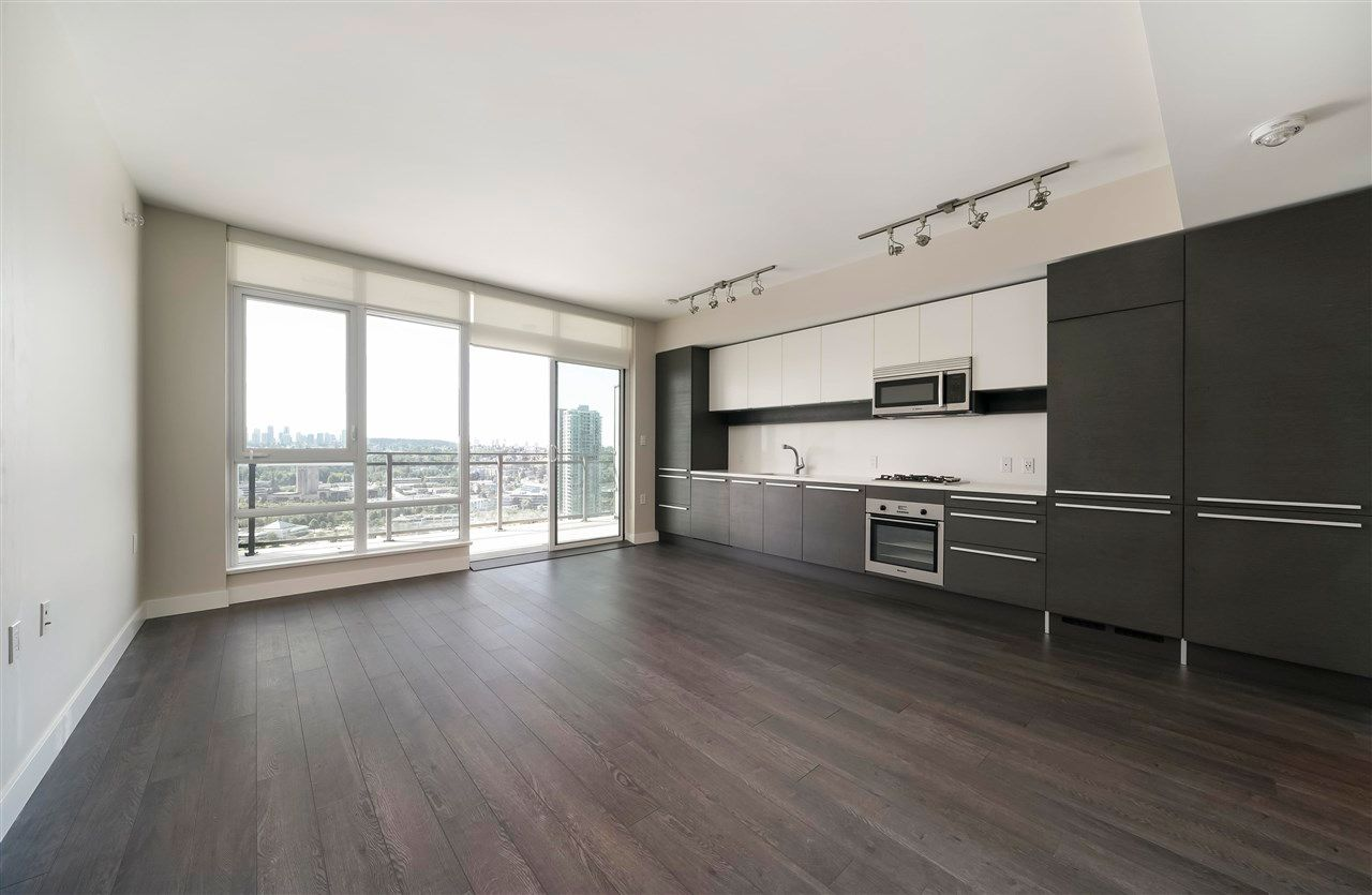 """Main Photo: 2408 2008 ROSSER Avenue in Burnaby: Brentwood Park Condo for sale in """"Stratus / Solo District"""" (Burnaby North)  : MLS®# R2582973"""