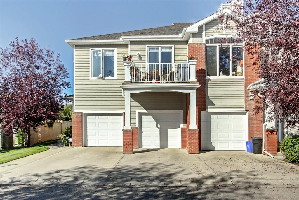 Main Photo: 401 8000 Wentworth Drive SW in Calgary: West Springs Row/Townhouse for sale : MLS®# A1148308