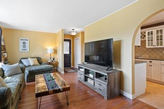 Photo 4: 780 Ranchview Circle NW in Calgary: Ranchlands Semi Detached for sale : MLS®# A1113497