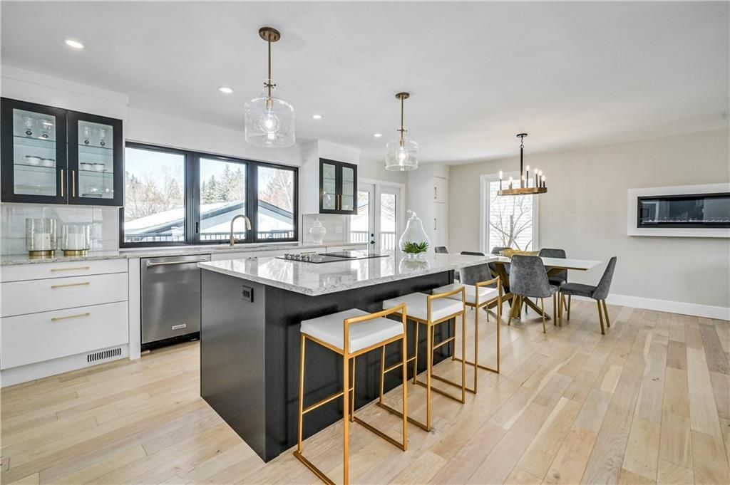 Photo 15: Photos: 5039 BULYEA Road NW in Calgary: Brentwood Detached for sale : MLS®# A1047047