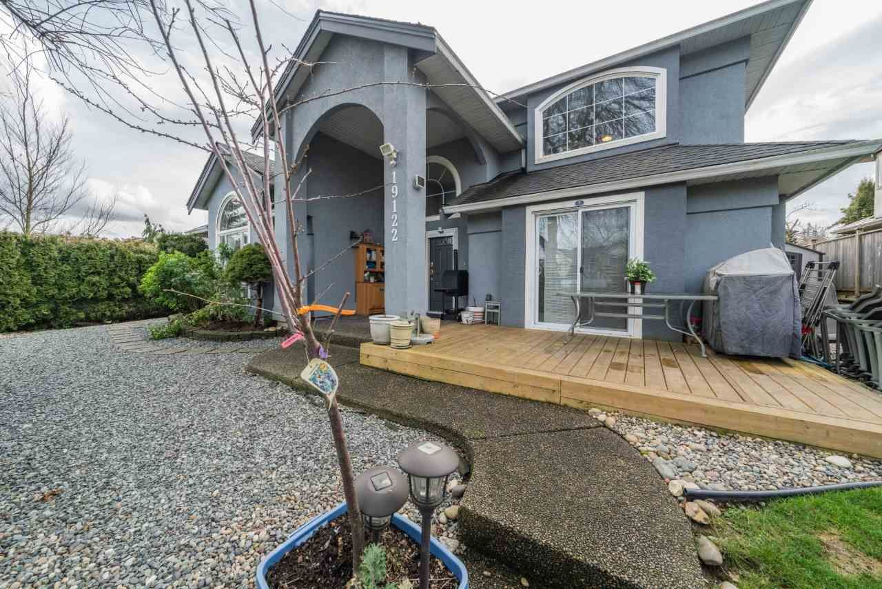 Main Photo: 19122 64 Avenue in Surrey: Cloverdale BC House for sale (Cloverdale)  : MLS®# R2540877