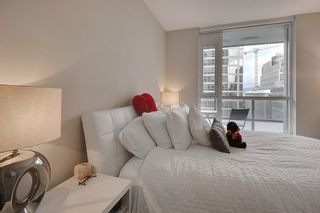 """Photo 15: 1202 833 SEYMOUR Street in Vancouver: Downtown VW Condo for sale in """"CAPITOL RESIDENCES"""" (Vancouver West)  : MLS®# R2066603"""
