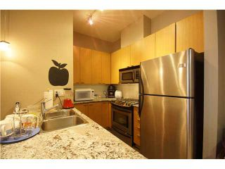 """Photo 5: 303 39 SIXTH Street in New Westminster: Downtown NW Condo for sale in """"Quantum By Bosa"""" : MLS®# V1135585"""