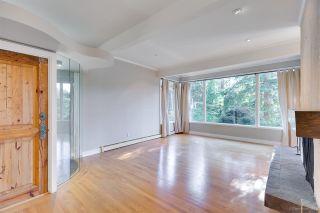 Photo 2: 3841 BAYRIDGE Avenue in West Vancouver: Bayridge House for sale : MLS®# R2232684