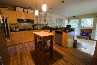 """Photo 4: 1109 PLATEAU Crescent in Squamish: Plateau House for sale in """"Plateau"""" : MLS®# R2254232"""