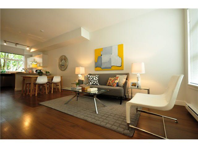 """Photo 2: Photos: 207 5568 KINGS Road in Vancouver: University VW Townhouse for sale in """"GALLERIA"""" (Vancouver West)  : MLS®# V1087874"""