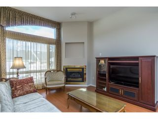 """Photo 10: 404 2335 WHYTE Avenue in Port Coquitlam: Central Pt Coquitlam Condo for sale in """"CHANELLOR'S COURT"""" : MLS®# R2141689"""
