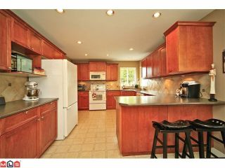Photo 30: 6484 CLAYTONWOOD Gate in Surrey: Cloverdale BC House for sale (Cloverdale)  : MLS®# F1214656