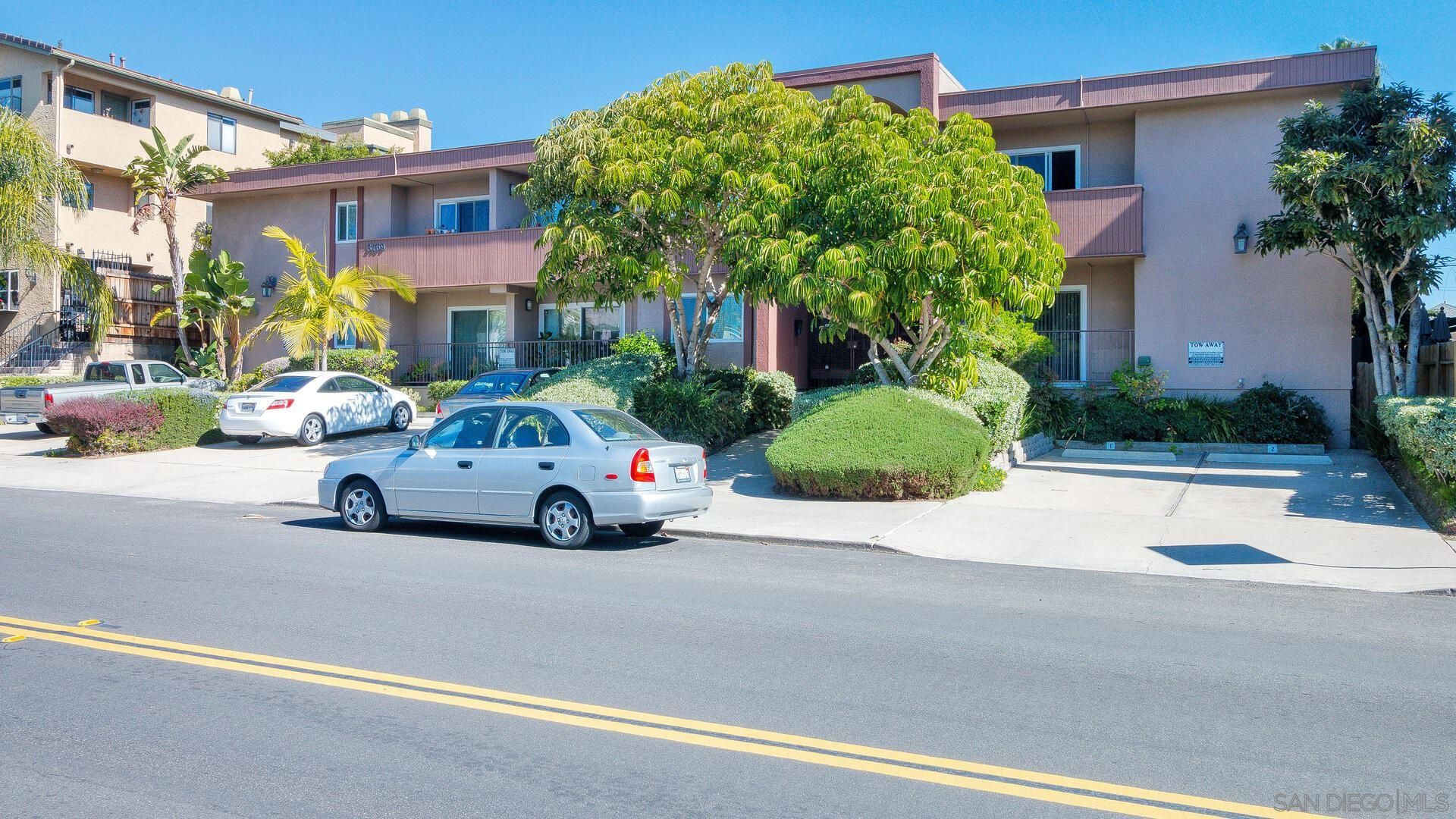 Main Photo: Condo for sale : 1 bedrooms : 3769 1st Ave #4 in San Diego